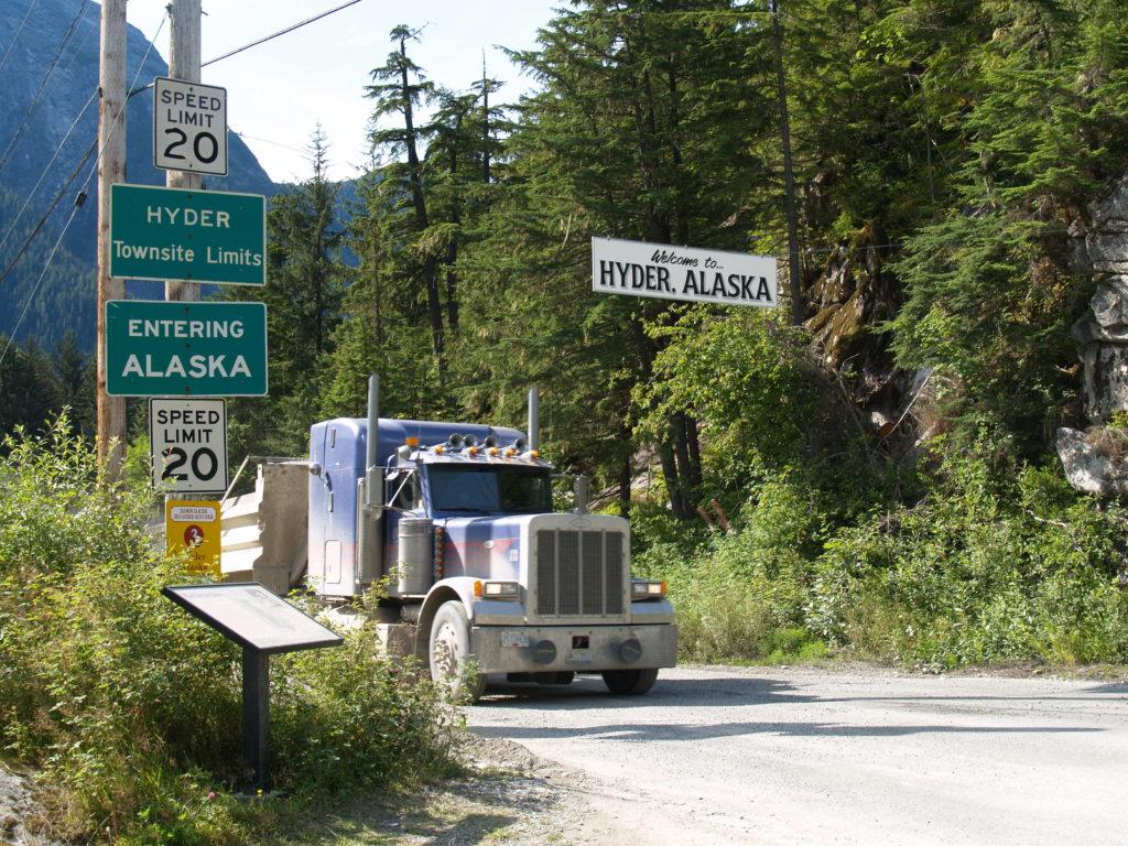 Hyder, Alaska border